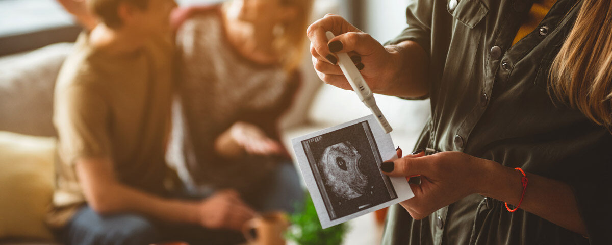Surrogacy et Adoption
